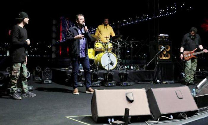 İmamoğlu, Ceza'dan 'İstanbul şarkısı' istedi