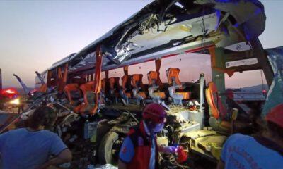Manisa'da feci kaza: 9 kişi öldü, 30 yaralı