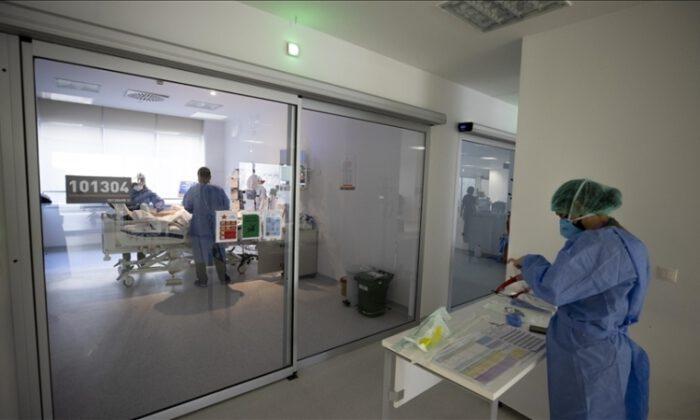 Aşı olmayanların ölüm riski 11 kat daha yüksek