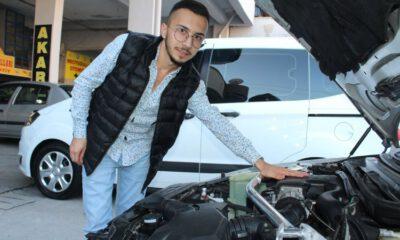 Genç otomotivci 16 yaşında galeri açtı