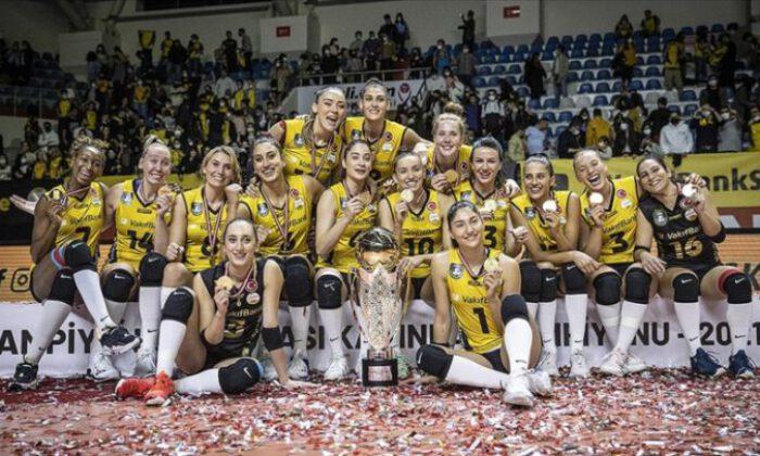 VakıfBank, Spor Toto Şampiyonlar Kupası'nın sahibi oldu