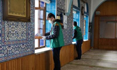 Bursa camilerinde gönüllü temizlik